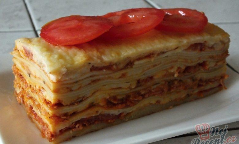 Lasagne s rajčaty, sýrem a šunkou