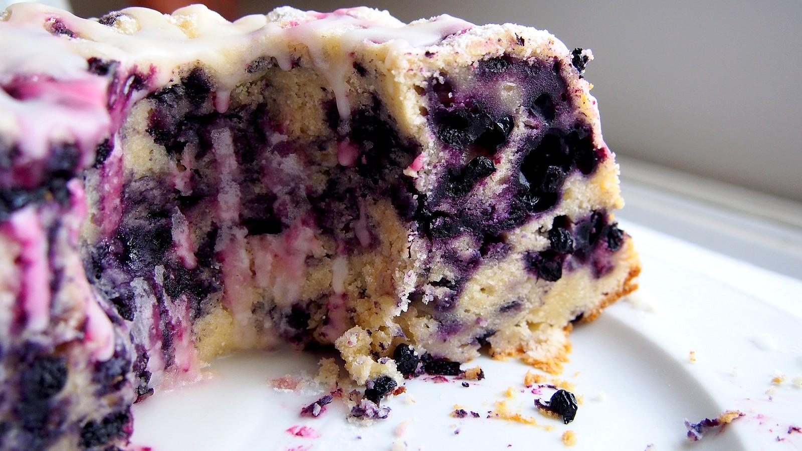 Tvarohová bábovka s borůvkami | Bundt Cake
