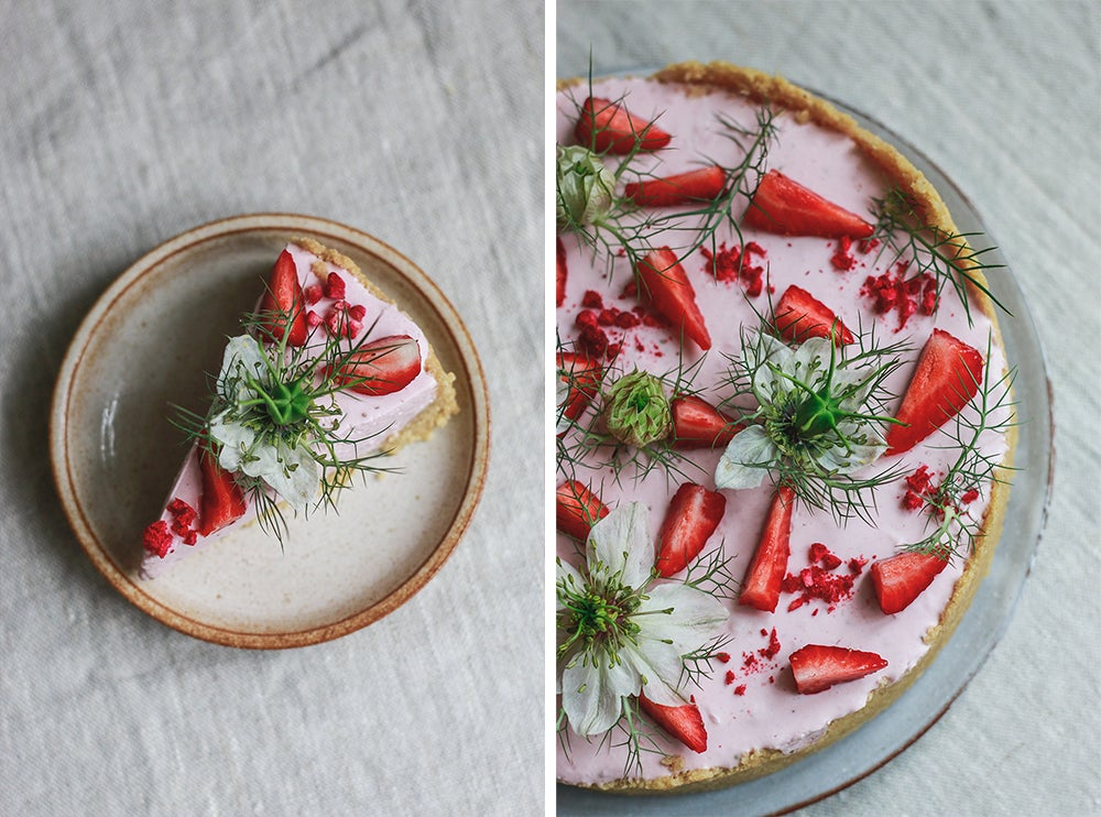 Nepečený jahodový koláč